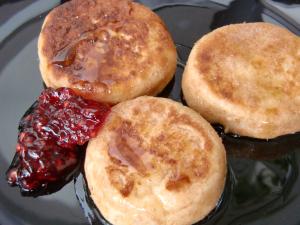 Käsekuchen-Frisbee oder Quarkkuchlein mit Vollkornmehl