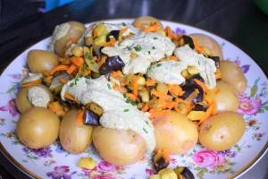 Walnusssoße mit Gemüseragout